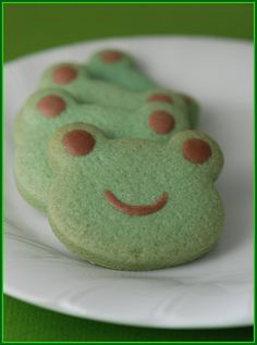 Leap Year ~ Frog Cakes, Cupcakes & Cookies Roundup - Mom Always Finds Out Dessert Kawaii, Frog Cookies, Frog Cupcakes, Pastel Cupcakes, Tea Cookies, Mint Cookies, Sugar Cookies, Comida Picnic, Cute Baking