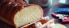 Κοινοποιήστε στο Facebook32 Υπέροχο, αφράτο Χριστουγεννιάτικο ψωμί Μια εκπληκτική συνταγή για ψωμί σαν τσουρέκι, που μπορείτε να απολαύσετε ιδανικά τις περίοδο των Χριστουγέννων κάθε ώρα!Κατάλληλο για ειδικά πρωινό, σνάκ αλλά και να συνοδεύσει ένα πλούσιο γεύμα! Υλικά 341 gr. αλεύρι... Recipies, Bread, Food, Recipes, Brot, Essen, Baking, Meals, Breads