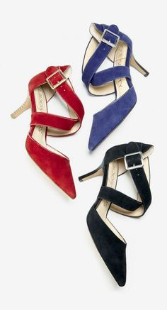 Classic mid heels in soft suede with sweeping crossed strips and pointed toes