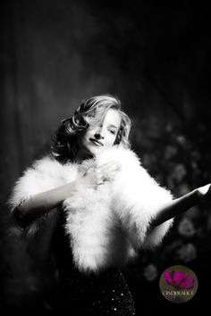 Konturen Make up Schablone Cinderalice, Foto Make up, Photo Makeup, Tutorial Contouring by Face Shape. Makeup stencil Cinderalice. Vintage beaded gown, Makeup look Cinderalice Hollywood Glam.