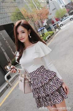 Swans Style is the top online fashion store for women. Shop sexy club dresses, jeans, shoes, bodysuits, skirts and more. Korean Girl Fashion, Korea Fashion, Asian Fashion, Fashion Models, Fashion Outfits, Womens Fashion, Best Prom Dresses, Cute Asian Girls, Cute Skirts