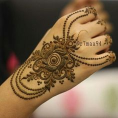 49 Beautiful Henna Tattoo Designs For Girls To Try At least Once - Torturein Egypt Khafif Mehndi Design, Mehndi Style, Mehndi Design Pictures, Beautiful Mehndi Design, Mehndi Images, Henna Tattoo Designs Arm, Arabic Henna Designs, Modern Mehndi Designs, Mehandi Designs