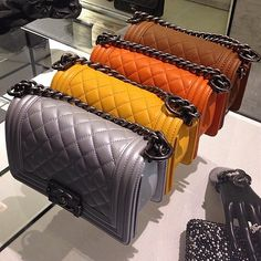 Coco Chanel Handbags, Mode Chanel, Best Designer Bags, Designer Handbags, Mini Handbags, Branded Bags, Everyday Bag, Cute Bags, Luxury Bags