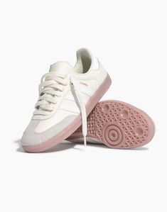 Adidas Samba OG sneakers with a pink gum sole. Adidas Samba, Adidas Og, Adidas Sneakers, Men Sneakers, Samba Shoes, Sneakers Fashion, Fashion Shoes, Popular Shoes, Buy Shoes