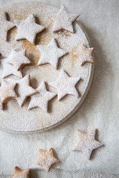 Star biscuits with orange zest & cinnamon