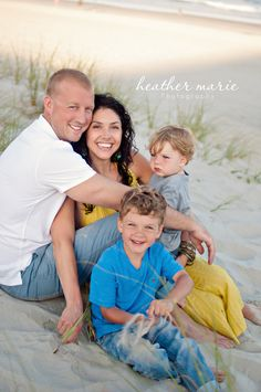 beautiful beach family session  blue & yellow!