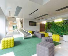 Slide / Microsoft headquarters in Vienna by INNOCAD