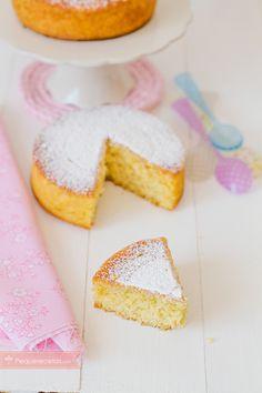 Bizcocho de naranja con Thermomix | PequeRecetas Chocolate Thermomix, Muffins, Plum Cake, Cornbread, Sweet Recipes, Deserts, Food And Drink, Treats, Cheese