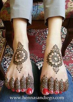 Mehndi Maharani Finalist: Henna SanDiego http://maharaniweddings.com/gallery/photo/26996