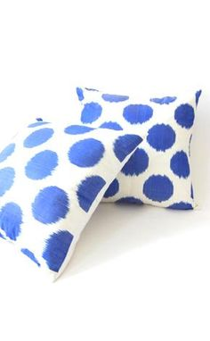 ikat pillows at lavivahome.com :)