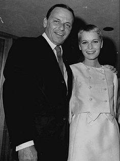 frank sinatra and mia farrow-1966
