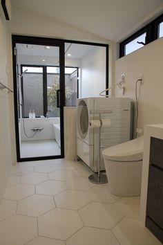 浴室:ユニットバス パナソニック アーキスペック トイレ:TOTO ネオレスト タイル:アドヴァン輸入品 Corner Bathtub, Toto, Bathroom, Washroom, Full Bath, Bath, Bathrooms, Corner Tub