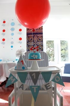 ¡Ideal el primer cumple de Mateo! One Year Birthday, First Birthday Parties, Birthday Party Themes, First Birthdays, Jungle Theme Birthday, Baby Boy 1st Birthday, Beach Ball Party, Bunny Party, Happy B Day