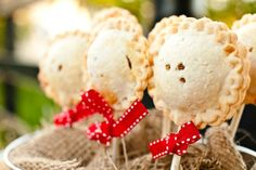 mini deserts country theme | Pie Desserts For A Country Wedding - Rustic Wedding Chic