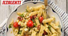 Yrttien kuningas basilika maustaa suomalaisten arkiruuaksi nousseen kastikkeen. Poimi maukas pastaresepti. Pasta Salad, Pesto, Ethnic Recipes, Food, Crab Pasta Salad, Essen, Meals, Yemek, Eten