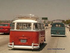 splitty bus | Pinned by G T Volkswagen Bus Camper, Volkswagen Group, Route 66, Vw Caravan, T1 Samba, Transporter Van, T2 T3, Kombi Home, Vw Vintage