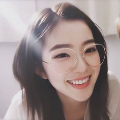 Discovered by ☁︎_ 𝖠𝗇𝖺 ٪ ˊ˗. Find images and videos about kpop, aesthetic and ulzzang on We Heart It - the app to get lost in what you love. Red Velvet Joy, Red Velvet Irene, Korean Girl, Asian Girl, Red Velet, Irene Kim, Seulgi, Ulzzang Girl, Japanese Girl