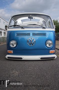 Volkswagen Type 2, Volkswagen Group, Volkswagen Transporter, Vw T1, Combi Vw, Bus Camper, Vw Beetles, Bay Window, Cool Cars