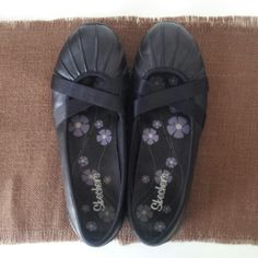 Closet Clear Out : Skechers Size 8.5 Flat Great condition (wore once), leather/textile upper, black with elastic detail straps, very comfortable. Skechers Shoes