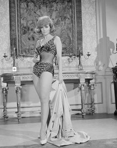 sexy Tina Louise in leopard print fishnet swimsuit w pistola Vintage Hollywood, Vintage Tv, Hollywood Glamour, Hollywood Stars, Vintage Beauty, Classic Hollywood, Vintage Glamour, Hollywood Icons, Tina Louise