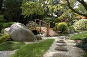 Findlinge im Garten                                                       …