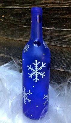 35 Decoration Ideas Using Wine BottlesWith the holidays upon us, it's time. Top 35 Decoration Ideas Using Wine BottlesWith the holidays upon us, it's time.Top 35 Decoration Ideas Using Wine BottlesWith the holidays upon us, it's time. Recycled Wine Bottles, Wine Bottle Corks, Glass Bottle Crafts, Painted Wine Bottles, Lighted Wine Bottles, Bottle Lights, Decorated Bottles, Glass Bottles, Wine Glass