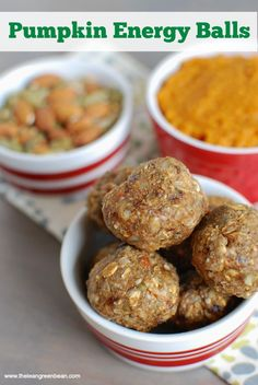 Pumpkin Energy Balls -- easy grab & go snack that tastes like fall and is packed with fiber, protein and healthy fats for energy. Great to keep in the freezer -- grab before a workout or a quick afternoon snack.