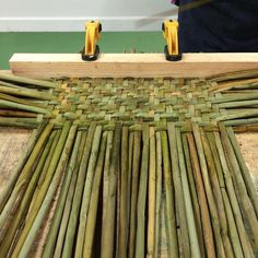 Flax Weaving, Inkle Weaving, Willow Weaving, Paper Weaving, Weaving Art, Weaving Patterns, Basket Weaving, Autumn Crafts, Nature Crafts