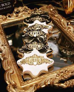 """ESTA sugar cookies."" • Event planning tip ... When creating your candy table, ensure that the theme you have chosen carries through to the finest details. • #detail #baroque #candybuffet #caketable #sugarcookies #branding #brandyourcookies #bebold #gold #onyx #blackandgold #eventprofs #eventlife #eventdesign #eventplanner #eventos #ESTA #ESTAZA #foodporn #dessert #desserttable #yummy #foodart #cakedesigner #attentiontodetail #tastethemagic #eventstyling #evedeso #eventdesignsource - posted…"