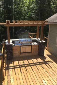Built in grill diy outdoor grill station backyard oasis outd Outdoor Kitchen Patio, Outdoor Kitchen Countertops, Outdoor Kitchen Design, Outdoor Kitchens, Kitchen Tile, Kitchen Decor, Out Door Kitchen Ideas, Outdoor Living, Kitchen Counters