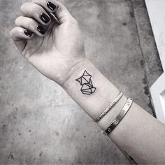 unique Tattoo Trends - 90+ Fox Tattoo Designs for Men and Women Check more at http://tattooviral.com/tattoo-designs/tattoo-trends-90-fox-tattoo-designs-for-men-and-women-30/