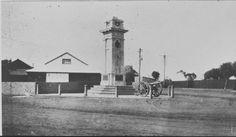 001556PD: Carnarvon War Memorial, ca 1925 http://encore.slwa.wa.gov.au/iii/encore/record/C__Rb4546045?lang=eng