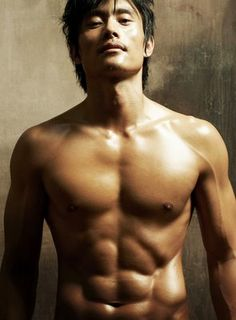 Lee Byung Hun from a blog at DearAuthor.com about Asian main characters. my comment: Nice eye candy!