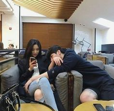 couple, ulzzang, and asian image Couple Ulzzang, Ulzzang Korean Girl, Relationship Goals Pictures, Cute Relationships, Couple Relationship, Cute Couples Goals, Couple Goals, Flipagram, Asian Image