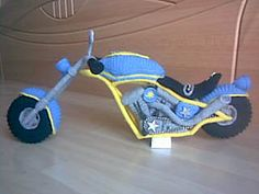 Motorcycle free crochet pattern There is no way that I'll everrrrrrrrr be able to make this but I thought it was awesome looking so I just had I pin it !!!