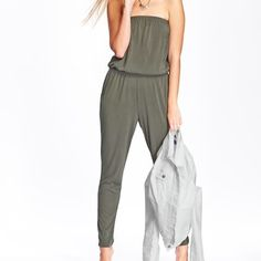 Old navy  knit tube jump suit black jack medium Medium Old Navy knit tube jumpsuit blackjack in color, not the grey. New with tags. Smoke free home. Old Navy Pants Jumpsuits & Rompers