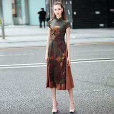 Overeating Funny So True Key: 8316548855 Oriental Dress, Oriental Fashion, Batik Fashion, India Fashion, Cheongsam Modern, Prom Dress Couture, Cheongsam Dress, Batik Dress, Young Fashion