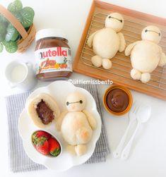 Baymax Nutella Milk Bread recipe + tutorial Yummy and cute! Milk Bread Recipe, Bread Recipes, Cooking Recipes, Cute Food, Good Food, Yummy Food, Kawaii Bento, Food Humor, Disney Food