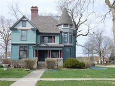 c. 1900 Queen Anne in Grinnell, IA - $315,000 - Old House Dreams Victorian Homes Exterior, Concrete Garages, Solid Surface Countertops, Building Exterior, Property Prices, Old House Dreams, Other Rooms, Queen Anne, Old Houses