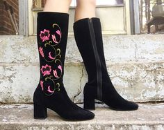 Leg Avenue Lovechild,4.5 Gogo Boot w//Inner Zip and Flower Cut-Out 6 Yellow