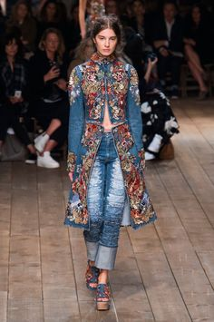 Pin for Later: Your Guide to Paris Fashion Week's Biggest Trends  Alexander McQueen Spring 2016