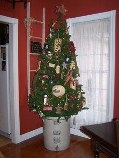primitive decorating ideas   Primitive Christmas, Handmade ornaments adore this primitive Christmas ...