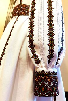 Cross Stitch Embroidery, Cross Stitch Patterns, Pakistani Fashion Casual, Palestinian Embroidery, Creative Embroidery, Art Deco Jewelry, Embroidery Techniques, Embroidered Blouse, Western Wear