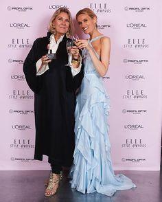 Fra hele ELLE-redaktionen skal der lyde et stort TAKtil alle jer der var med til at gøre årets ELLE Style Awards mere magisk end nogensinde Med dette skønne billede af ELLEs chefredaktrice @cecilie_elle og vinderen af årets ELLE-pris Malene Birger takker vi af for i aften Psst... Du kan allerede nu se alle aftenens vindere på ELLE.dk/vindere #ellestyleawardsdk #ELLExlorealparis #ELLEprofiloptik #KildevældMoment #voneinem #magasindunord #georgjensen #fredericiafurniture #metteboesgaard…