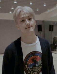 Mark Lee, Kpop, Nct 127 Mark, Lee Min Hyung, Canadian Boys, Jaehyun Nct, Na Jaemin, Fandoms, Meme Faces