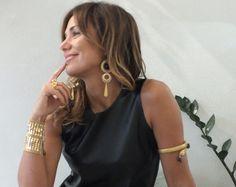 Deluxeblog ha intervistato Bianca D'Aniello, che ha creato una linea di accessori con un nuovo concetto di gioiello che da puro ornamento decorativo si