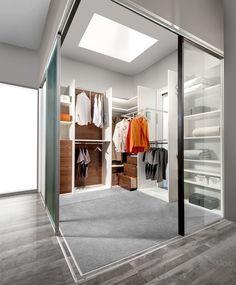 Good  ankleidezimmer kleiderschrank begehbar kleidung klamotten shopping glaswand schiebetuer