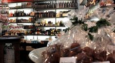 fine herbs, oils, vinegars, sweets and candy, perfect shop when you´re looking for a special gift!