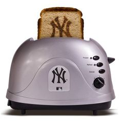 Yankees Toaster....PERFECT TOAST