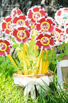 SVG Attic Blog: Teacher's Bloom flower pot holding flower favors #svg #svgattic
